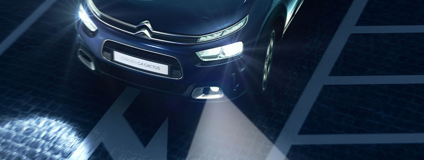 1800x681-Citroen-Cornering-Light